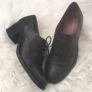 Shoes - Naturalizer block heel lace ups